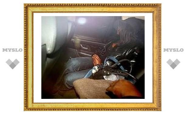 Устроившую скандал в Хитроу Наоми Кэмпбелл выпустили под залог