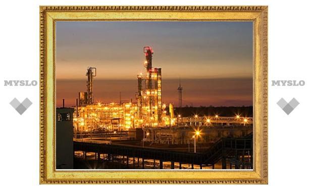 """""""Роснефть"""" будет продавать все свободное топливо на бирже"""