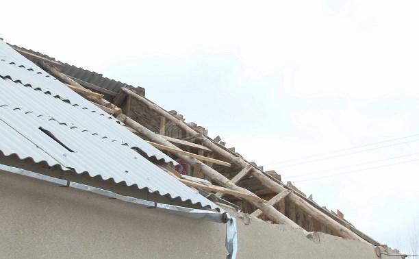В Чернском районе восстанавливают кровли домов, повреждённые ветром