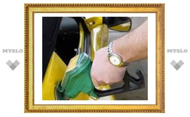 "Бензин стандарта ""Евро-2"" будут производить еще два года"