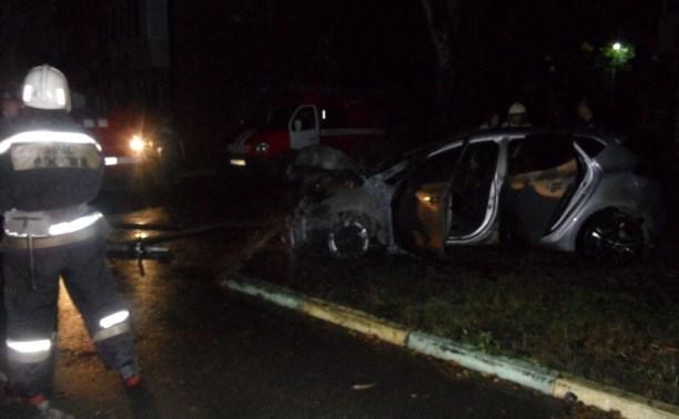 На улице Оружейной ночью сгорела «Киа»