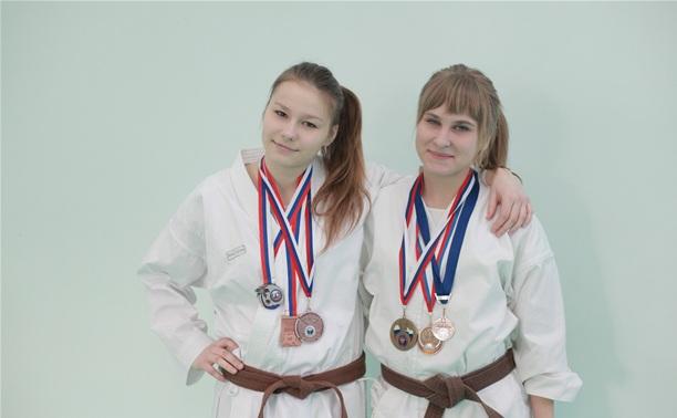 Тульские каратисты успешно выступили на чемпионате округа