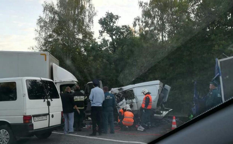 Под Тулой в жутком ДТП погибли два человека