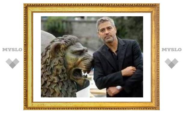 Джордж Клуни награжден французским Орденом искусств и литературы