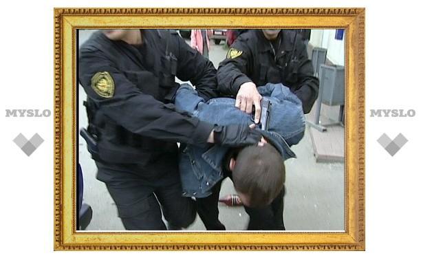 Тульского наркоторговца посадят за оружие
