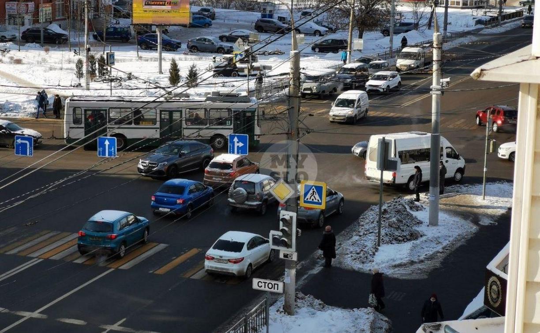 В Туле отключившиеся светофоры привели к хаосу на дороге