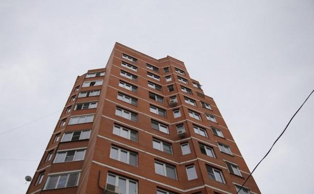 В Туле на ул. Макаренко из окна 11-го этажа выпала женщина