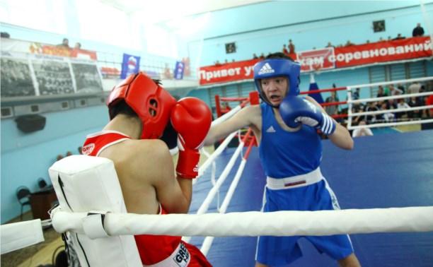 Тульские боксёры собрали полный комплект медалей в Орле