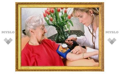Пожилой женщине требуется сиделка