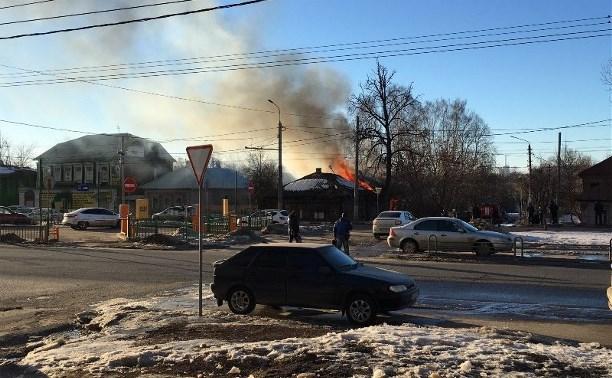 На улице Пролетарской загорелся нежилой дом