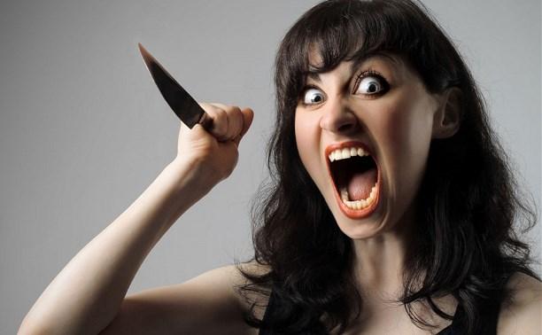 В Туле женщина нанесла ножевые ранения своему знакомому