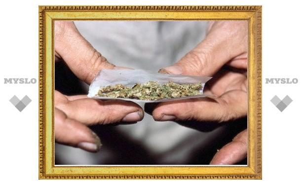 Курсанта университета МВД обвиняют в торговле наркотиками