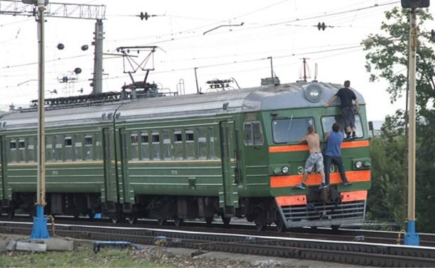 В российских электричках могут появиться контролеры, следящие за зацеперами