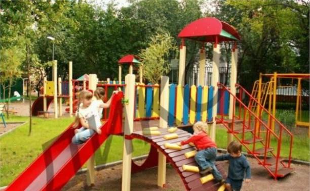 Тула подарила Керчи семь детских площадок