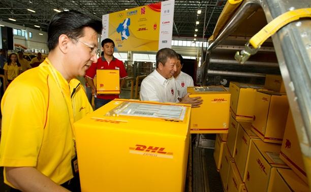 DHL Express возобновит доставку посылок частным лицам