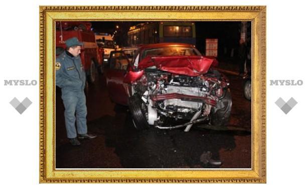 При столкновении джипа и легковушки погибла женщина
