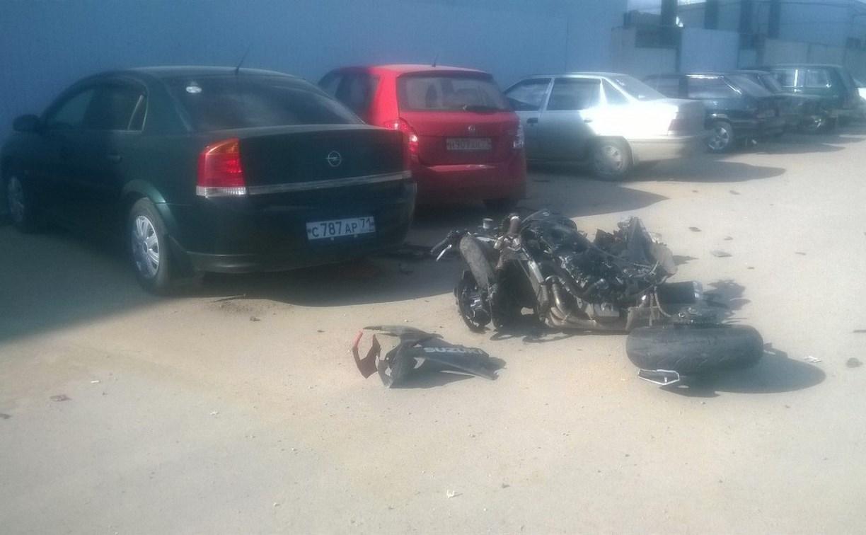 На улице Пржевальского внедорожник столкнулся с мотоциклом