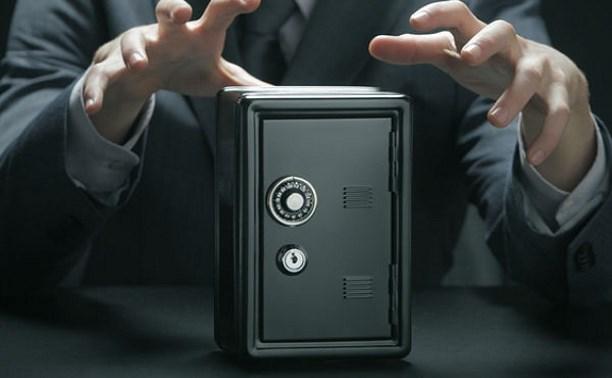 Туляк украл из магазина сейф с 223 тысячами рублей