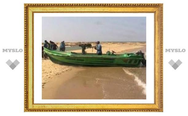 """Тамильские """"тигры"""" подорвали два судна"""