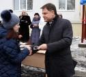 Губернатор Владимир Груздев вручил ключи от квартир новосёлам из Донского
