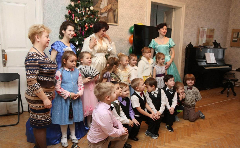 Тульские малыши станцевали на Рождественском балу