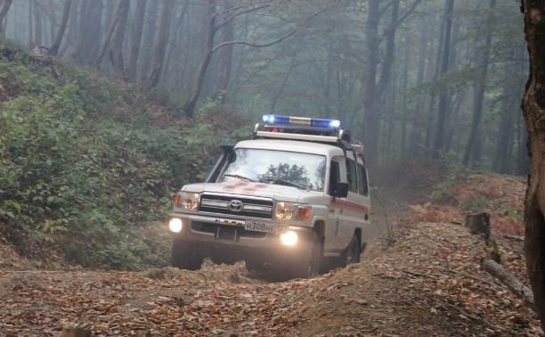 В Сочи спасатели нашли трёх заблудившихся в лесу туляков