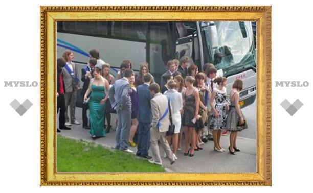 Егор Атанов отвезет более 300 выпускников на прогулку в Москву