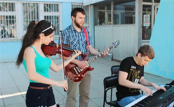 В честь Дня библиотекаря в ТГПУ устроили джазовую импровизацию