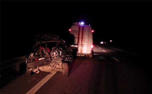На трассе «Дон» водитель «Лады» разбился насмерть, врезавшись в отбойник