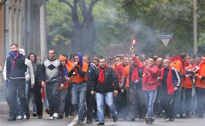 Фанаты «Арсенала» и «Зенита» устроили массовую драку в метро