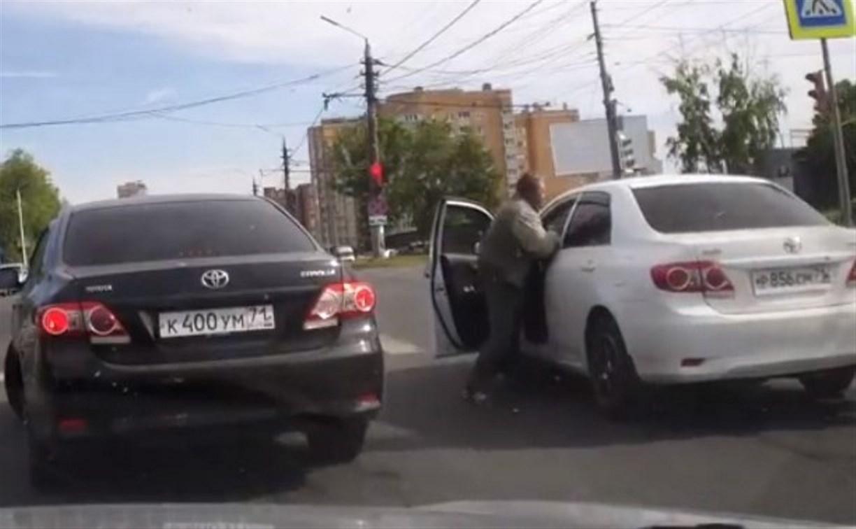 Разборки водителей на тульских дорогах: В чем причина агрессии?