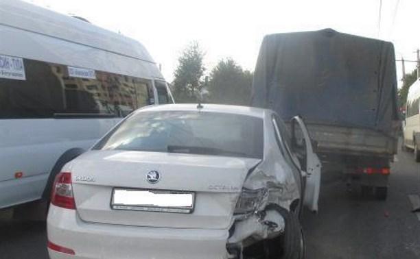 В Туле в тройном ДТП пострадала женщина