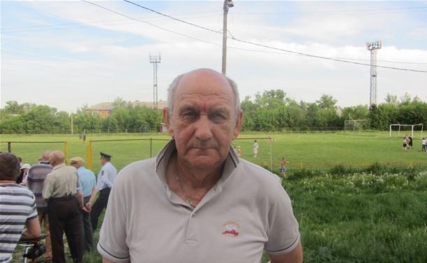 Поддержать активистов против застройки «Кировца» пришёл заслуженный тренер России