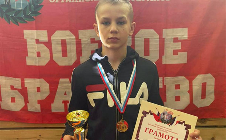 Юный туляк одержал новую победу на турнире по вольной борьбе