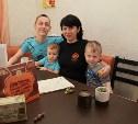 Владимир Груздев подарил тульской семье кухонный гарнитур