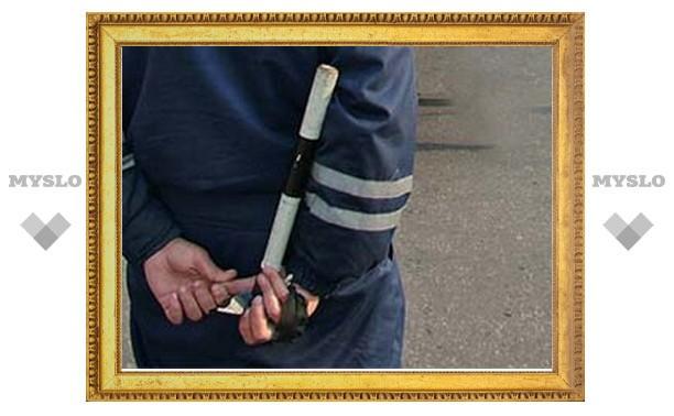 Гаишник разбил молотком не понравившийся ему мотороллер, пока хозяина не было рядом
