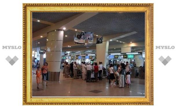 В московских аэропортах запретят продажу алкоголя