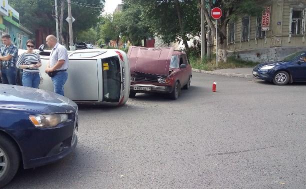 На пересечении улиц Пушкинской и Жуковского перевернулся «Матиз»