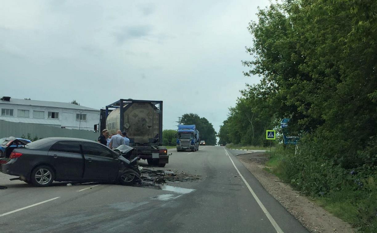 В Новомосковске в ДТП с грузовиком погиб 19-летний парень
