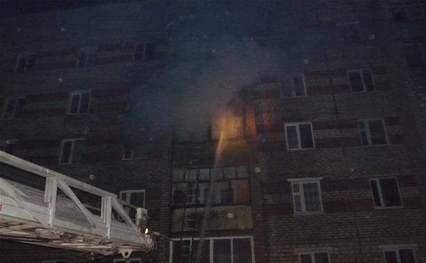Из-за непогашенной свечи в Богородицке загорелась квартира