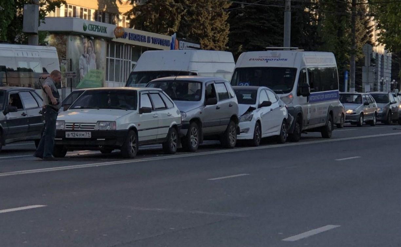 Нетрезвый водитель маршрутки, попавшей в ДТП в Туле, посадил за руль пьяного приятеля
