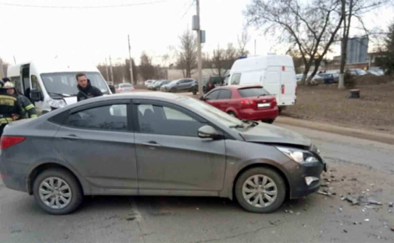 В ДТП с микроавтобусом на Одоевском шоссе в Туле пострадал один человек