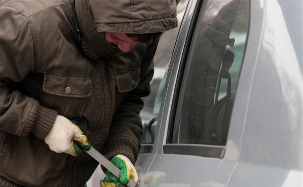 Четыре пьяных подростка из Ефремова угнали машину отца одного из них и уехали в Тулу
