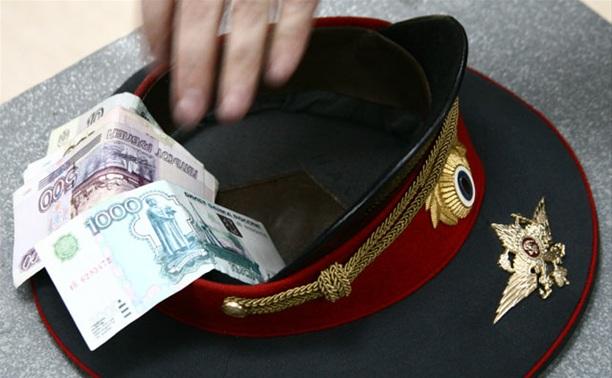 Продавщицу пряников осудят за попытку дать взятку полицейскому