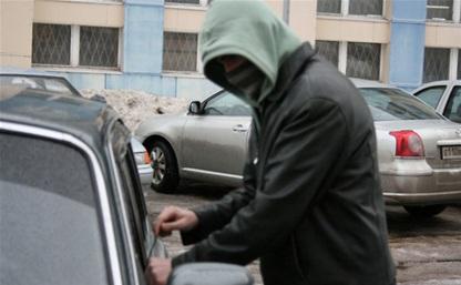 """18-летний туляк-токсикоман угнал автомобиль охранника судебного департамента, чтобы """"покататься"""""""