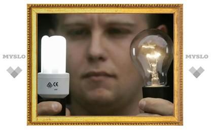 Лужков приказал заменить все бюджетные лампочки на энергосберегающие