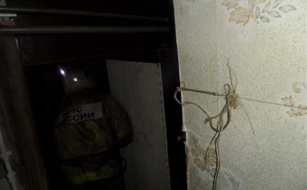 В Туле пожар повредил кровлю и потолок дома