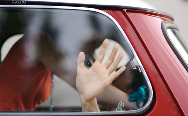 Щекинец изнасиловал женщину в автомобиле
