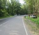 Под Алексином «Тойота» врезалась в забор: погибли два пассажира