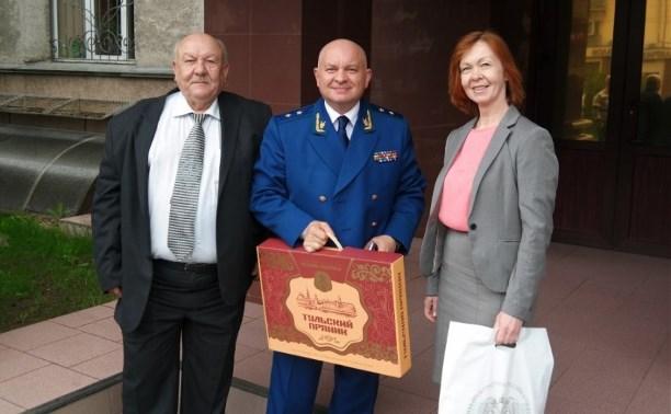 Представители тульской прокуратуры посетили выставку в Липецкой области